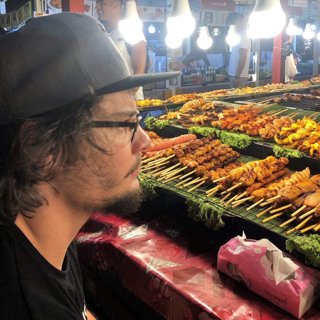 Thajské jedlo - mäso na paličke